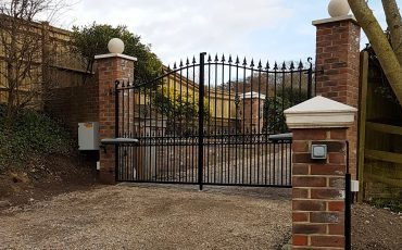 Driveway with gates & piers